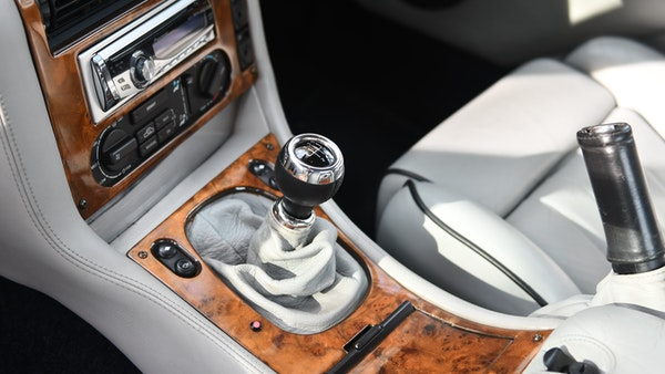 1997 Aston Martin V8 Coupe For Sale (picture 25 of 95)