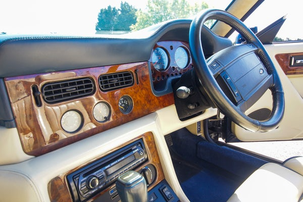 1995 Aston Martin Virage 5.3 V8 Volante - RESERVE LOWERED For Sale (picture 74 of 110)