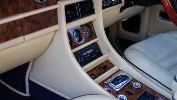 RESERVE LOWERED - 1989 Bentley Turbo R For Sale (picture 46 of 108)