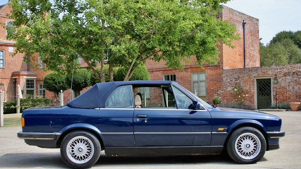 NO RESERVE! - 1989 BMW 320i Convertible For Sale (picture 18 of 147)