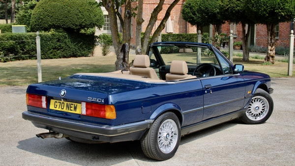 NO RESERVE! - 1989 BMW 320i Convertible For Sale (picture 59 of 147)