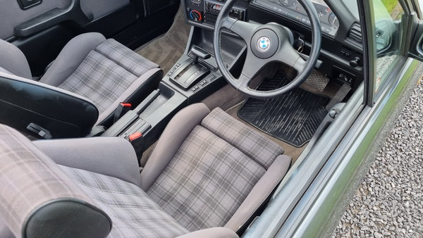 1990 BMW 320i Convertible For Sale (picture 14 of 173)