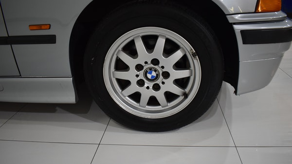 NO RESERVE! 1997 BMW 323i For Sale (picture 30 of 150)
