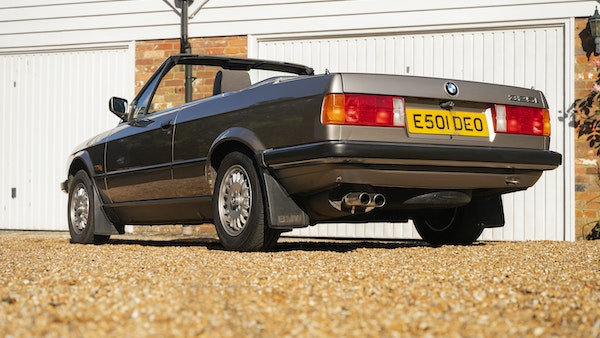 1987 BMW E30 325i convertible For Sale (picture 25 of 238)