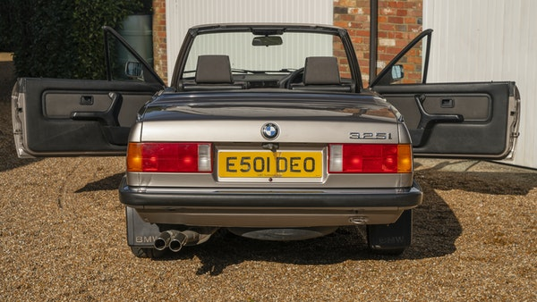 1987 BMW E30 325i convertible For Sale (picture 28 of 238)