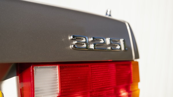 1987 BMW E30 325i convertible For Sale (picture 75 of 238)