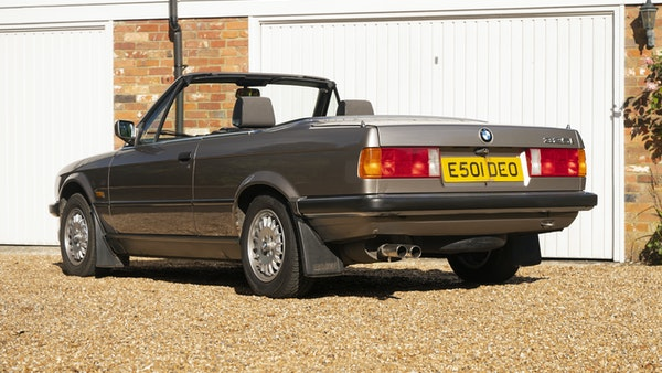 1987 BMW E30 325i convertible For Sale (picture 6 of 238)
