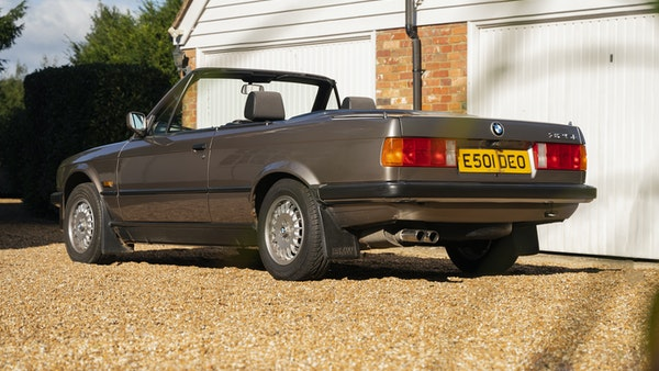 1987 BMW E30 325i convertible For Sale (picture 24 of 238)