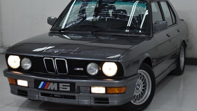 NO RESERVE! 1985 BMW M5