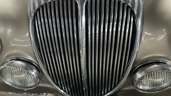 RESERVE LOWERED - 1965 Daimler 2.5 V8 For Sale (picture 10 of 40)