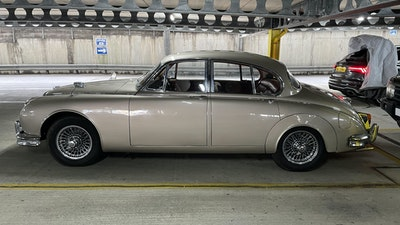 RESERVE LOWERED - 1965 Daimler 2.5 V8