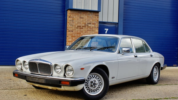 1986 Daimler Double Six For Sale (picture 7 of 110)