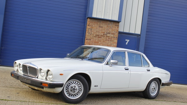 1986 Daimler Double Six For Sale (picture 12 of 110)