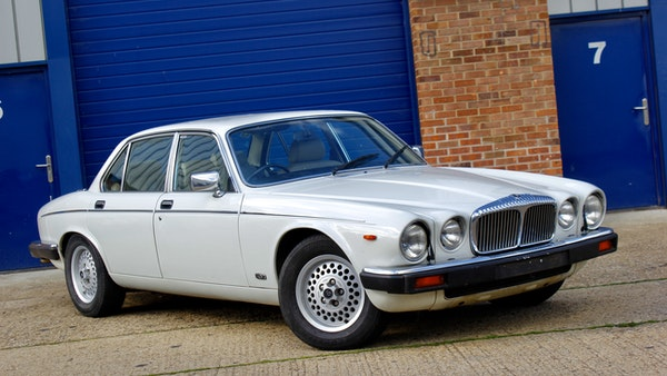 1986 Daimler Double Six For Sale (picture 1 of 110)