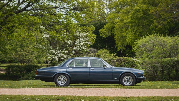 1988 Daimler Double Six For Sale (picture 8 of 130)