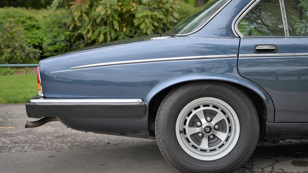 1992 Daimler Double Six For Sale (picture 12 of 140)