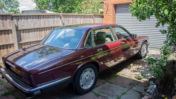 NO RESERVE! 1988 Daimler Sovereign 3.6 For Sale (picture 4 of 154)