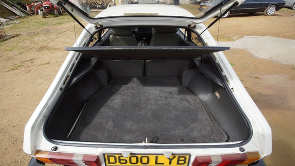 RESERVE LOWERED - 1986 Ford Capri 2.8i Special For Sale (picture 91 of 182)