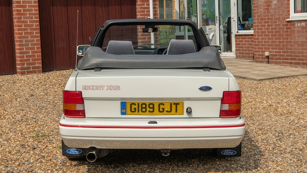 1989 Ford Escort XR3i convertible For Sale (picture 20 of 133)
