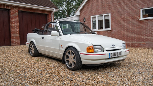 1989 Ford Escort XR3i convertible For Sale (picture 1 of 133)