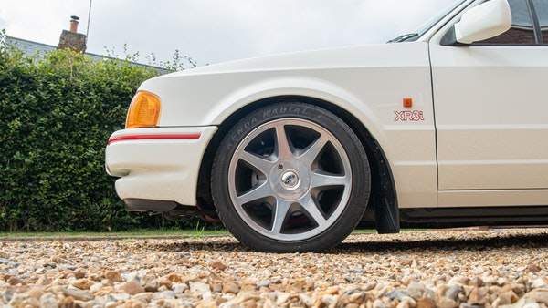 1989 Ford Escort XR3i convertible For Sale (picture 26 of 133)