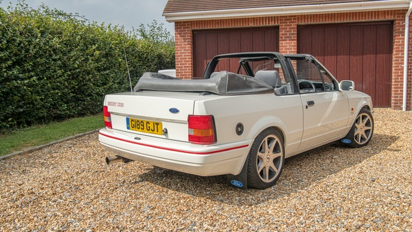 1989 Ford Escort XR3i convertible For Sale (picture 23 of 133)