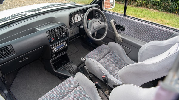 1989 Ford Escort XR3i convertible For Sale (picture 29 of 133)