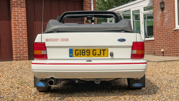 1989 Ford Escort XR3i convertible For Sale (picture 17 of 133)