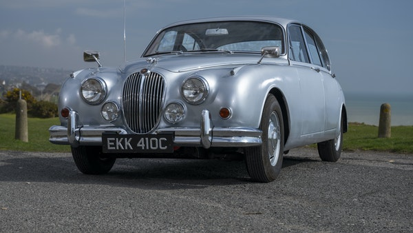 1965 Jaguar MkII 2.4 For Sale (picture 1 of 187)