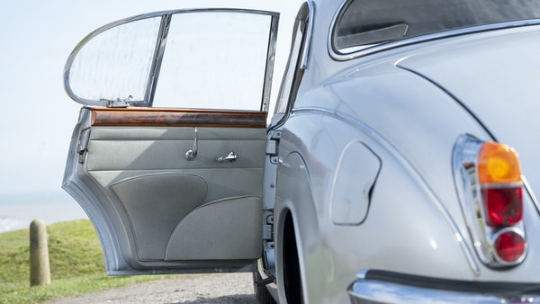 1965 Jaguar MkII 2.4 For Sale (picture 84 of 187)