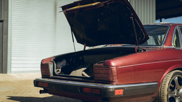 1989 Jaguar XJ40 project cars with Lister modifications For Sale (picture 28 of 153)