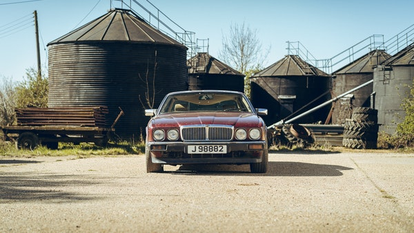 1989 Jaguar XJ40 project cars with Lister modifications For Sale (picture 3 of 153)