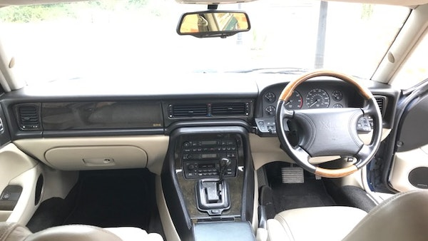 1995 Jaguar XJR For Sale (picture 41 of 88)