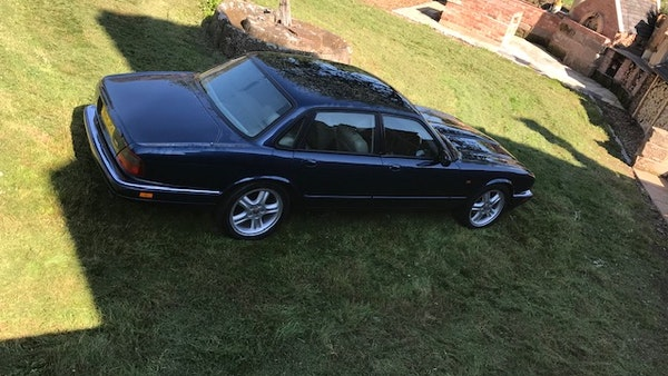 1995 Jaguar XJR For Sale (picture 11 of 88)