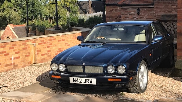 1995 Jaguar XJR For Sale (picture 8 of 88)