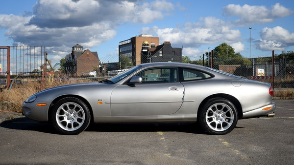1998 Jaguar XKR For Sale (picture 12 of 156)
