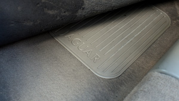1998 Jaguar XKR For Sale (picture 41 of 156)