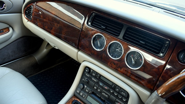 1998 Jaguar XKR For Sale (picture 32 of 156)