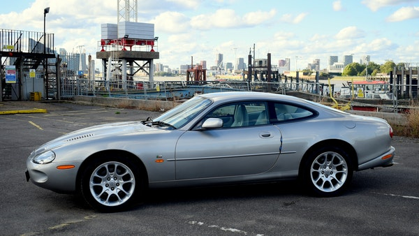 1998 Jaguar XKR For Sale (picture 9 of 156)