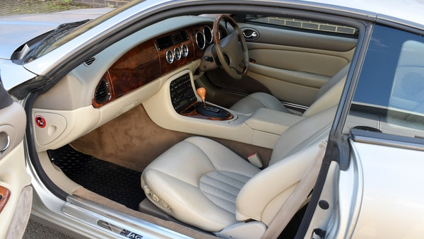 1998 Jaguar XKR For Sale (picture 35 of 156)