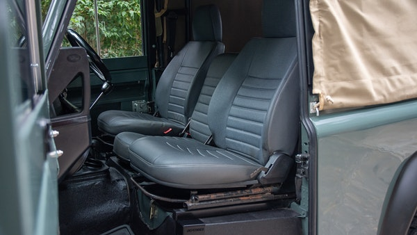 1999 Land Rover Defender 90 For Sale (picture 16 of 159)