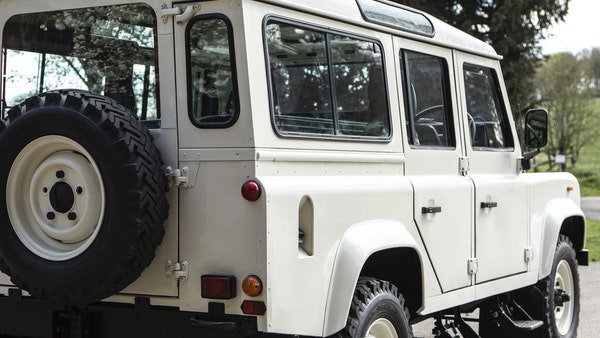 1989 Land Rover Defender 110 County V8 For Sale (picture 17 of 137)