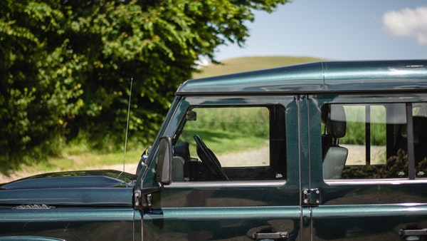 2014 Land Rover Defender 110 XS For Sale (picture 142 of 234)