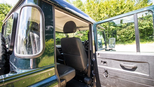 2014 Land Rover Defender 110 XS For Sale (picture 41 of 234)