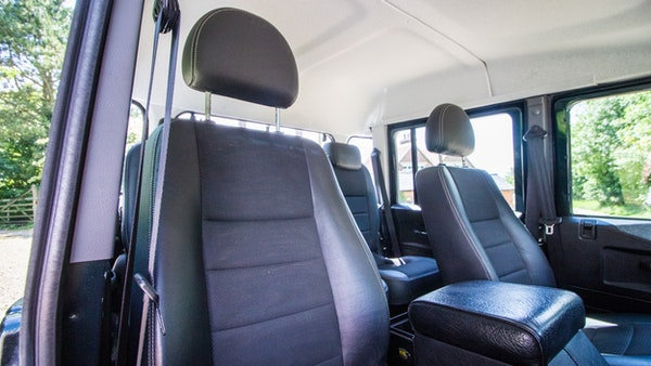 2014 Land Rover Defender 110 XS For Sale (picture 45 of 234)