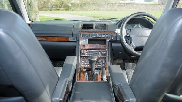 RESERVE LOWERED - 2000 P38 Range Rover 4.6 HSE For Sale (picture 18 of 129)