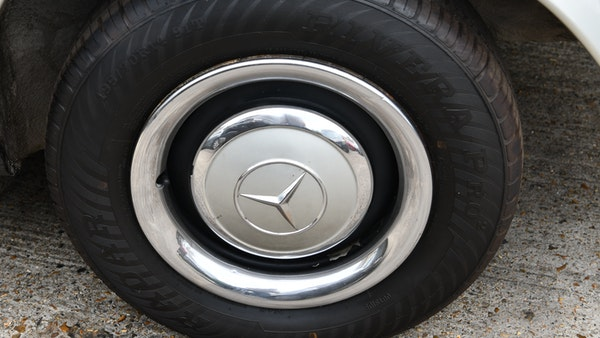 1966 Mercedes 230 SL Pagoda For Sale (picture 23 of 141)