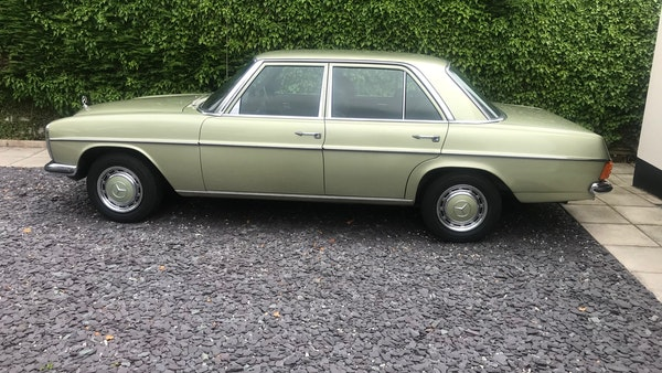 1976 Mercedes Benz 230/4 For Sale (picture 3 of 33)