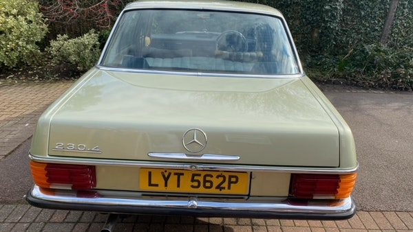 1976 Mercedes Benz 230/4 For Sale (picture 15 of 33)