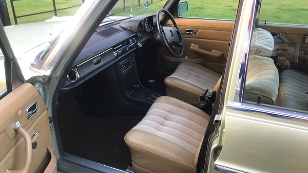 1976 Mercedes Benz 230/4 For Sale (picture 24 of 33)